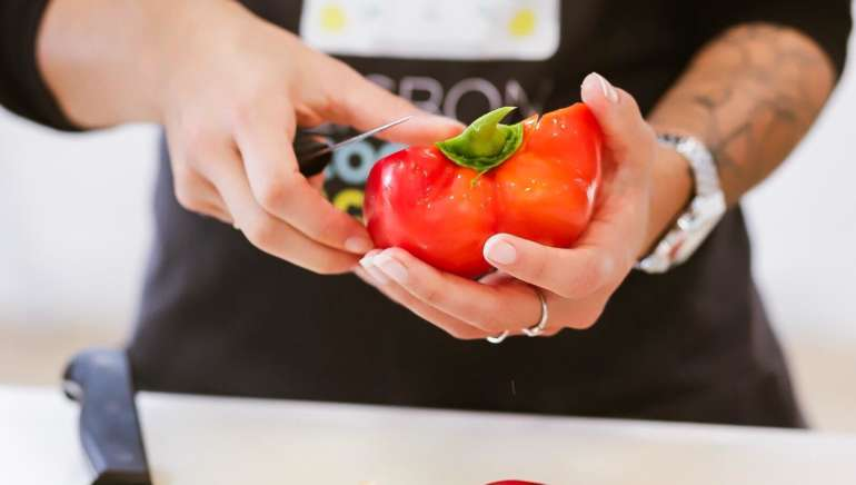 (English) Vegetarian Portuguese Cooking Class (dinner included)